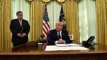 Le président Trump se prépare à signer un un décret visant à limiter la protection des réseaux sociaux et la latitude dont ils bénéficient dans la modération de leurs contenus.