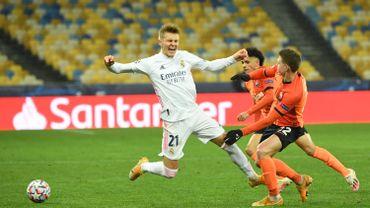 Le Real Madrid, battu froidement au Shakhtar Donetsk (2-0), complique son avenir européen