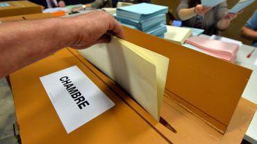 Il manque encore une vingtaine de personnes pour les 120 bureaux que compte la province de Namur.