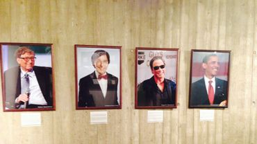 Bill Gates, Elio Di Rupo, Arnold Schwarzenegger et Barack Obama au musée du capitalisme de Namur