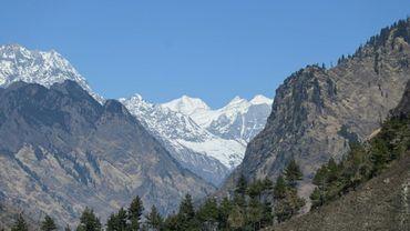 Des sommets de l'Himalaya vus depuis le district de Chamoli (Etat de l'Uttarakhand), en Inde, le 11 février 2021