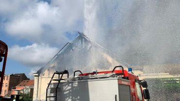 L'incendie s'est déclaré ce mardi en milieu de matinée