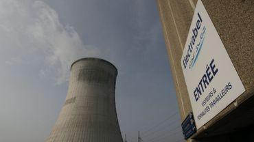 """Nucléaire: le gouvernement confirme et """"bétonne"""" la sortie, selon la majorité"""