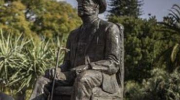 Génocide en Namibie: statue du chef f Hosea Katjiku-Ru-Rume-Kutako