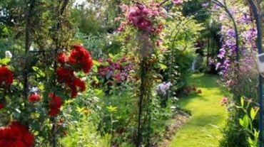 Le Chemin Du Jardin Fleuri Dans Le Nord Pas De Calais