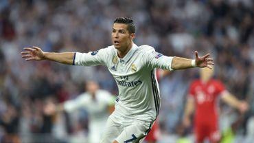 Ronaldo franchit le mur des 100 buts en C