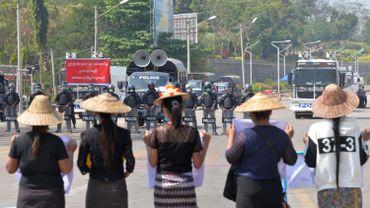 Coup d'Etat en Birmanie: coupure quasi totale d'internet pour la troisième nuit consécutive