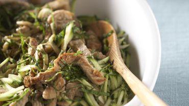 Emincé de veau en salade de courgettes et menthe