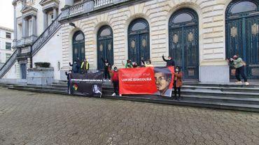 Mort d'un homme lors d'une expulsion forcée à Roulers: non-lieu pour les policiers