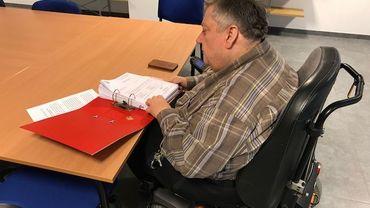 Jean-Marie Huet apporte une aide administrative importante aux patients qui en ont besoin