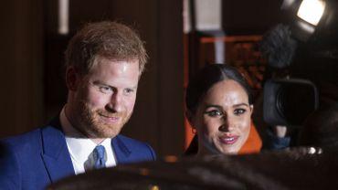 Le prince Harry et Meghan confirment leur volonté de se retirer de la famille royale et perdent leurs titres officiels