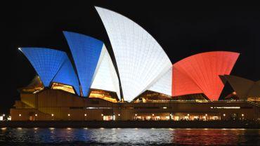 L'emblématique Opéra de Sydney s'est paré des couleurs bleu, blanc, rouge du drapeau français.