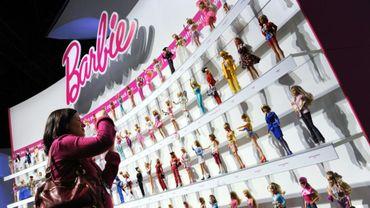 La poupée Barbie est déclinée en dizaines de modèles, présentés le 14 février 2010 à New York