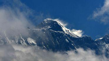 Trois cents touristes bloqués près de l'Everest en raison du mauvais temps