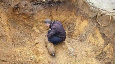 Une bombe de la Deuxième Guerre mondiale découverte à Maasmechelen, des habitants évacués