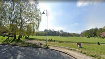 Les pelouses du parc de Forest sont désormais interdites aux promeneurs et aux visiteurs