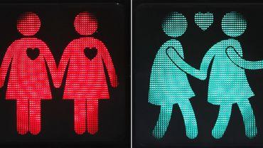 """Des feux de signalisation """"de même sexe"""" une idée originaire de Londres, qui a été mise en place à sept carrefours dans Bruxelles"""