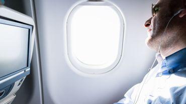 A bord de l'avion, de quel côté s'asseoir pour bénéficier de la meilleure vue ?
