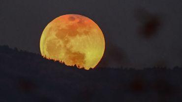 Le 31 janvier 2018 le monde a pu assister à l'événement spectaculaire d'une éclipse lunaire totale.