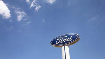 Un logo Ford