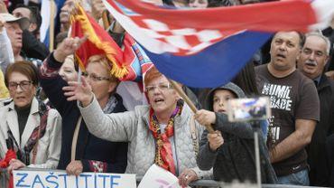 Les opposants au traité protestent contre sa ratification en affirmant qu'il impose ce qu'ils appellent une «idéologie du genre».