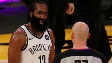 Les Nets, grâce notamment aux 37 points de James Harden, se sont imposés 108-112 contre Brooklyn.