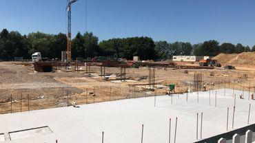 Le chantier du nouveau centre logistique et de production d'IBA, à Louvain-la-Neuve. Le bâtiment de 9.000 m² sera (progressivement) opérationnel l'an prochain. Un bâtiment qui sera écologique, digitalisé et accessible aux visiteurs.