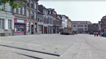 Les faits se sont déroulés sur le Marché-aux-Herbes à Mons dans la soirée du 18 septembre