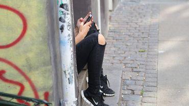 Des adolescentes, victimes de chantage, forcées à se prostituer.