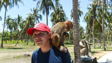 L'île aux singes est l'un des innombrables lieux de tourisme animalier à travers le Vietnam.