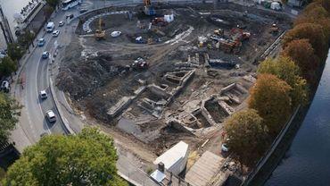 La nouvelle découverte sur le site du Grognon, à Namur, tenterait à prouver qu'un village gaulois s'était développer à proximité, avant la conquête de la Gaule par les Romains.