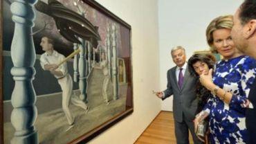 La reine Mathilde visite en avant-première l'exposition Magritte au MoMa