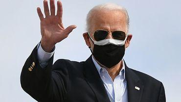 Joe Biden sur la base d'Andrews, près de Washington, le 26 février 2021