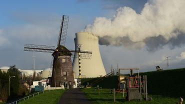 Doel, l'autre centrale nucléaire mise en cause par nos voisins.