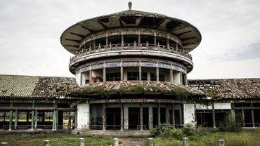 """Un des palais """"chinois"""" de Mobutu à Nsele"""