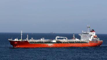 Comme le S/V Quest, le bateau coréen Samho Jewelry avait lui aussi été victime de pirates somaliens. Là aussi l'assaut des forces coréennes pour libérer l'embarcation avait également fait un mort parmi les otages et huit parmi les pirates