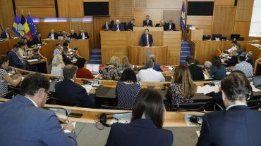 Parlement bruxellois: un des premiers dossiers sera l'installation d'un médiateur régional