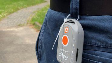 Ce traceur GPS a la taille d'un porte clé et s'accroche à la ceinture
