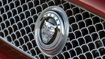 Le propriétaire de la Jaguar a échappé à un guet-apens, après une course poursuite.