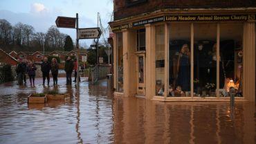 Inondations à Tenbury Wells dans l'ouest de l'Angleterre le 16 février 2020