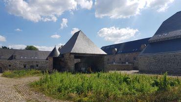 C'est dans ce bâtiment qui appartient à l'Agence wallonne du Patrimoine que l'école s'installera provisoirement.