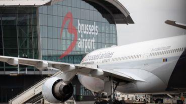 Masques non obligatoires à l'aéroport : le médiateur fédéral écrit à S. Wilmès