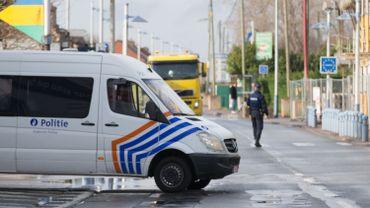 Des policiers bruxellois surveilleront la frontière, pas de conséquences sur plan canal