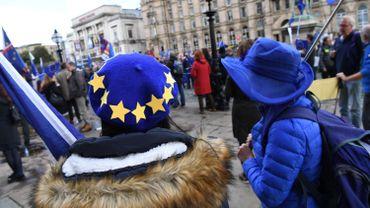 Brexit: Londres et Dublin suggèrent des négociations prolongées jusqu'en novembre