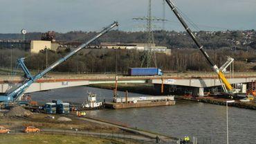 Le chantier du viaduc autoroutier d'Herstal a pris trois mois de retard