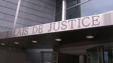 Liège: menacé de révocation de sursis, il crache sur la juge et l'insulte