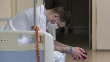 Coronavirus en France: la chloroquine aurait provoqué des morts et des effets toxiques cardiaques