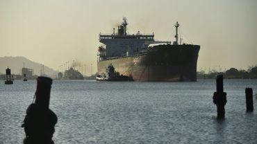 Un cargo passe le canal de Panama, le 22 février 2018