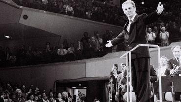 Daniel Barenboim dirige le concert de la chute du mur de Berlin