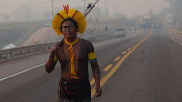Indien Kayapo bloquant une autoroute brésilenne, ce 20 août